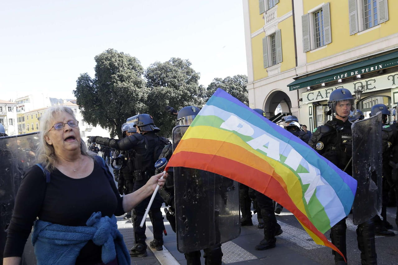 Gilets jaunes: rebondissements dans l'affaire Legay, la blessée de Nice