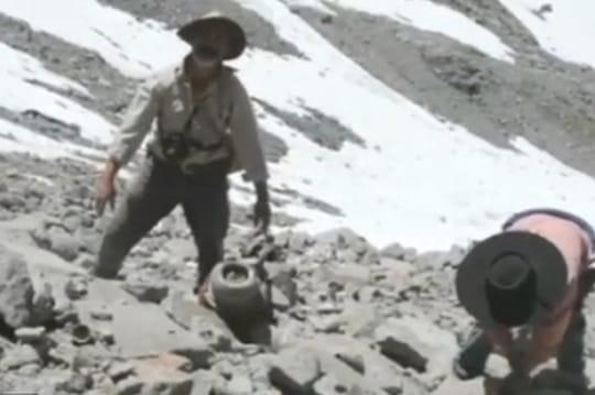 Crash au Chili: l'avion des footballeurs retrouvé 50ans après [VIDEO]
