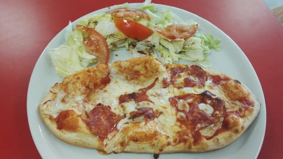 Cortese & Company  - Mezzo pizza -