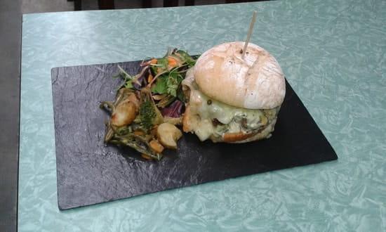 """Aux P'tits Joueurs  - le burger """"ptit joueur """" -"""