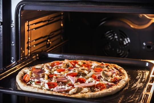 Four à pizza: comment bien le choisir