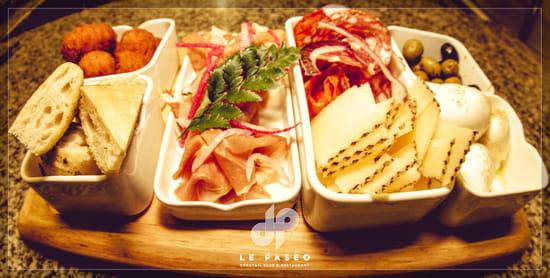Plat : Le Paseo - Cocktail club & restaurant (Ex : LE SUD)  - Tapas à partager -   © Le Paseo - Cocktail club & Restaurant