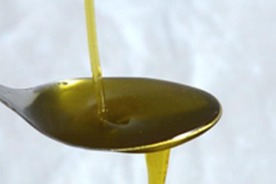 Enlever une tache d'huile ou de vinaigrette