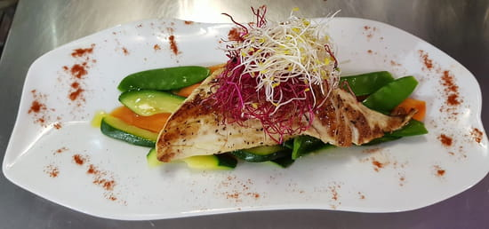 Plat : Costa d'Amalfi  - Filet de bar de pêche & ses légumes -   © @ Restaurant Costa d'Amalfi