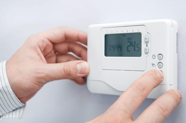 Installer un thermostat programmable facilement - Thermostat programmable sans fil pour chaudiere gaz ...