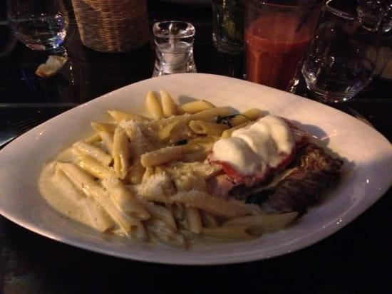 Plat : Cala Luna  - Escalope Bocconcini avec tranche de jambon, tomate, mozarrela et penne -
