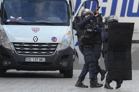 Attentat de Paris : Abdelhamid Abaaoud est mort, Hasna Aitboulahcen était bien la kamikaze selon son père [DERNIÈRES INFOS]