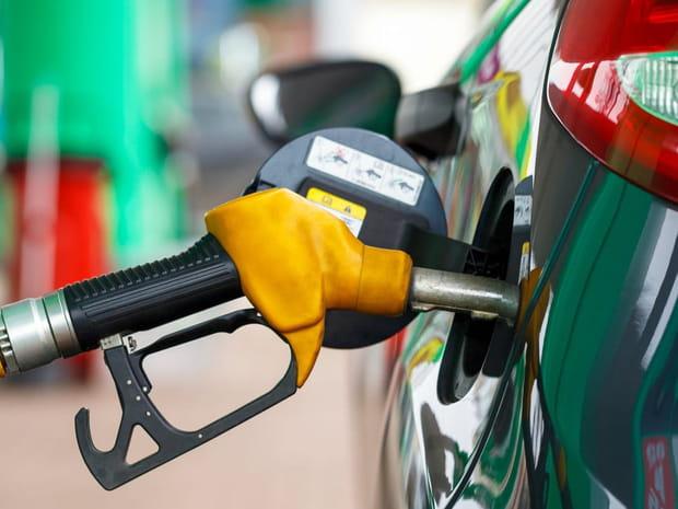 Le prix de l'essence flambe, pourquoi il faut s'inquiéter