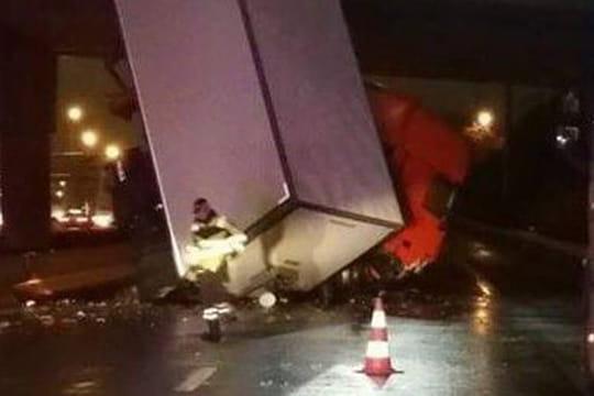 A6 : un camion plonge dans le vide, l'autoroute coupée durant plusieurs heures