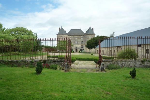 Un petit château dans les Ardennes