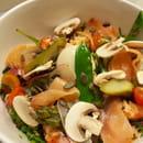 Plat : MundArt  - salade au saumon -   © mundart