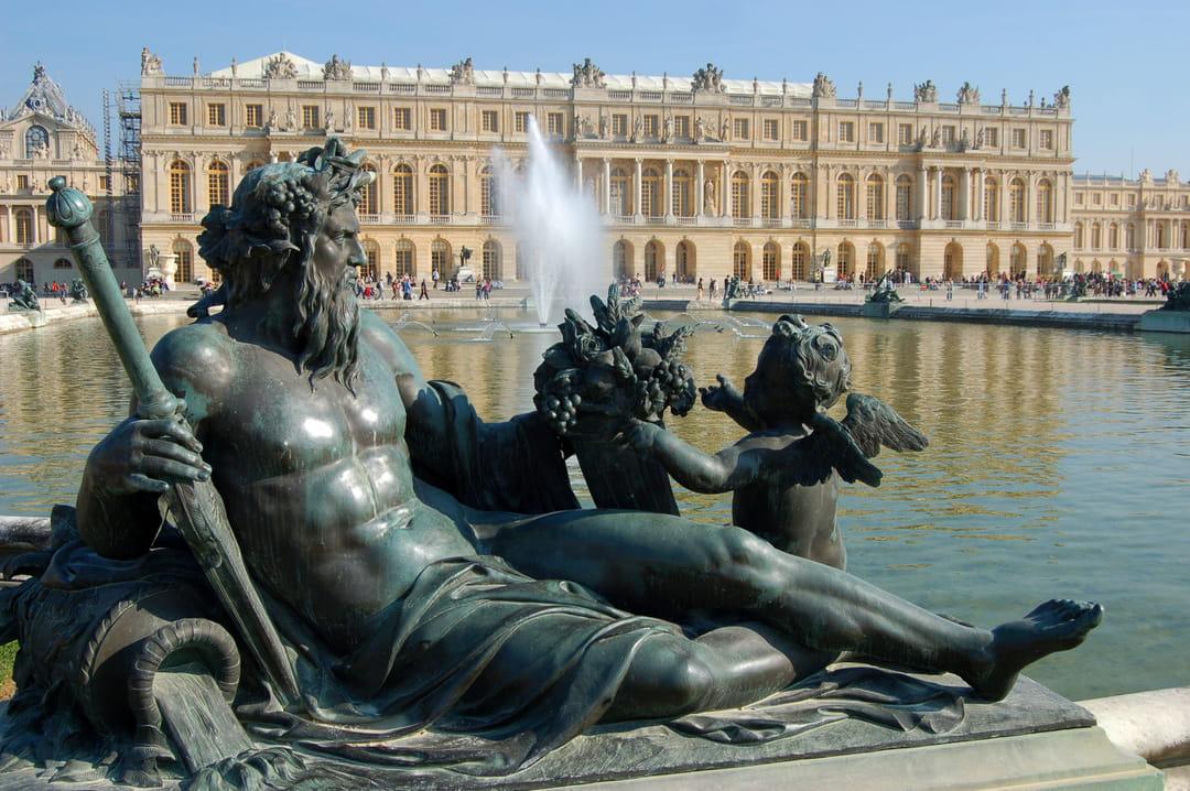 La Statue De Bacchus En Face Des Appartements Du Chteau Versailles C Claudio Balducelli