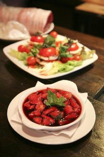 Le Montana  - fraises vin rouge et menthe -   © le montana