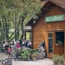 Restaurant : Le Roc du Berger  - resaturant extérieur -   © roc du berger