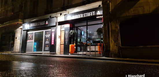 Entrée : Burger Street  - Burger Street -   © J. Blanchard