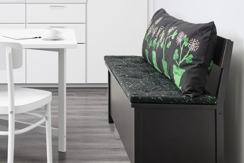 un dossier confortable. Black Bedroom Furniture Sets. Home Design Ideas