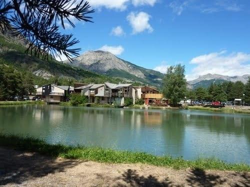 Le Lacustre  - Une vue magnifique sur le lac -