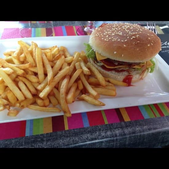 Plat : La Marina  - Le burger bacon. Miam -