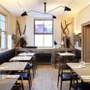 Pinasse Café  - SALLE INTERIEUR DU PINASSE CAFE -   © © 2011 Photos Arthur Péquin, tous droits réservés.