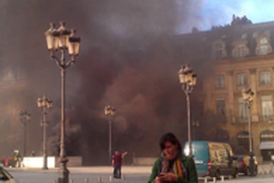 Incendie place Vendôme : les images