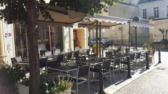 Restaurant : Au Rendez-vous des Amis  - SuperbeTerasse =D -