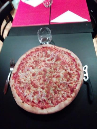 Le Chalet  - NOUVEAUTE : pizza 40cm à EMPORTER -   © corinne barreau