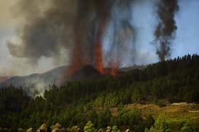 Les images impressionnantes de l'éruption du volcan Cumbre Vieja aux Canaries