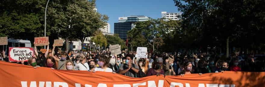 Allemagne: des milliers de manifestants demandent à l'UE d'accueillir les réfugiés