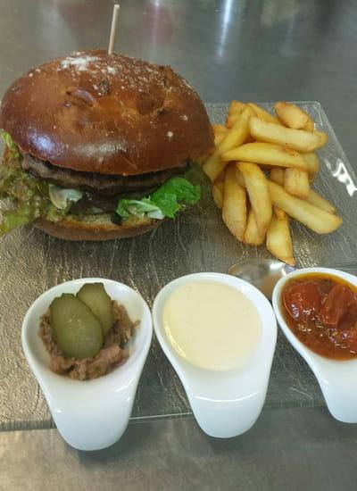 Plat : Au relais du Bois  - Burger du relais. -