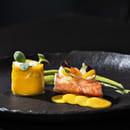 Entrée : Sixty-two  - LA DAURADE. En tartare, mangue, avocat et gingembre, chantilly citron vert.. -   © Franck Sonnet
