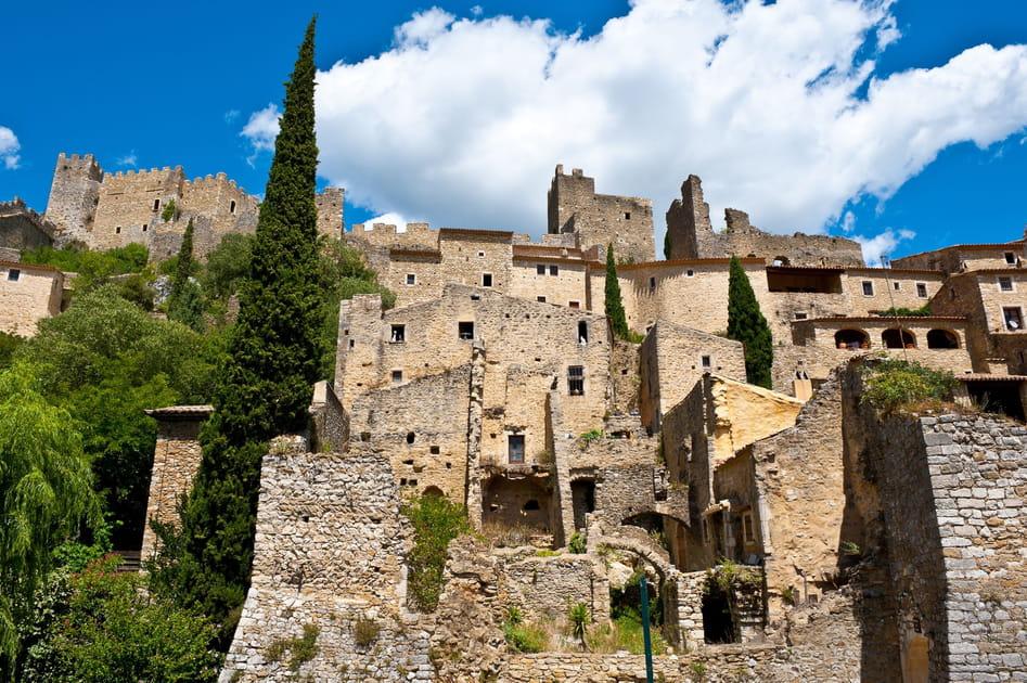 Saint-Montan, son château et ses remparts