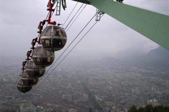 Municipales Grenoble : sur internet, les rumeurs se propagent #mun38000