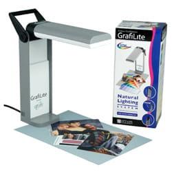 la petite 'grafilite' est une lampe detype lumière du jour qui permet de