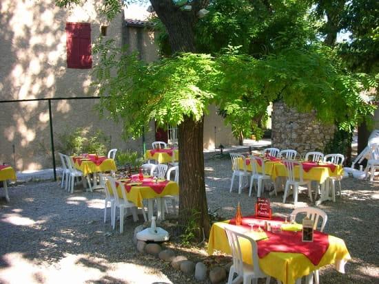 Hostellerie Le Mirabeau  - la terrasse -   © syca