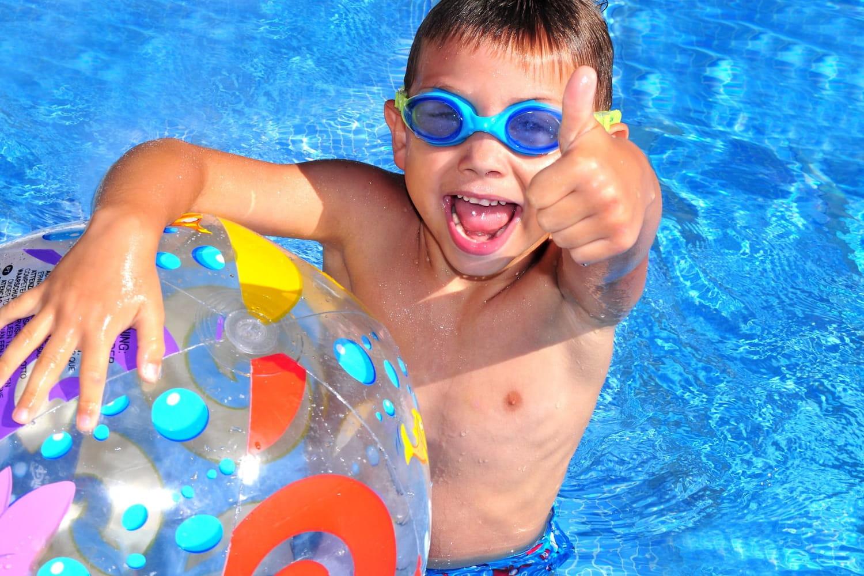 Jeux de piscine: des idées pour s'amuser