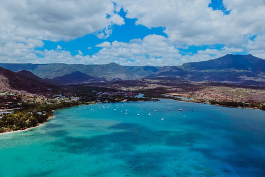 Passer sa retraite à l'Île Maurice: démarches, visa, impôts, avantages