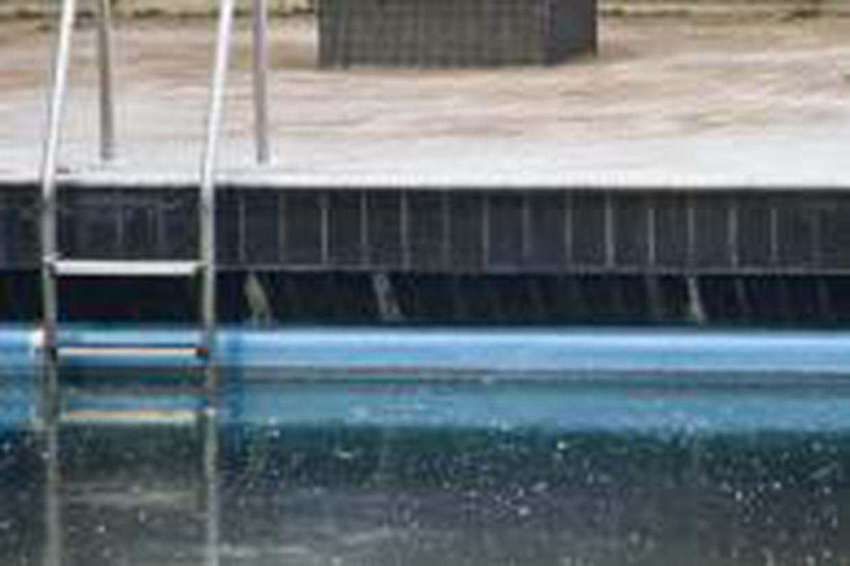 remettre la piscine en service apr s l 39 hiver. Black Bedroom Furniture Sets. Home Design Ideas