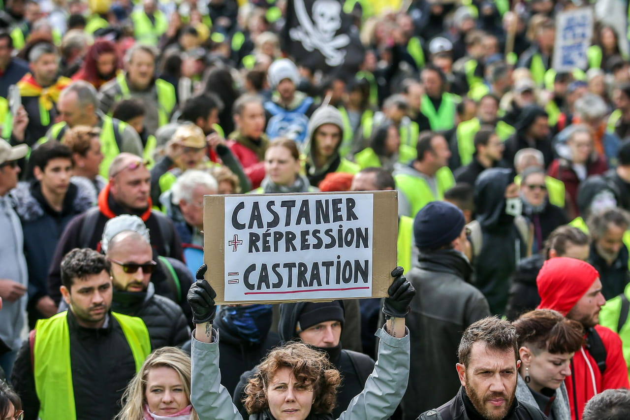 Gilets jaunes: Castaner chahuté, ce que l'on sait de l'acte 25