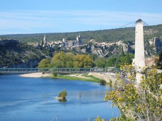 La Guinguette du Moulin  - Pont de saint martin -   © fred lutz