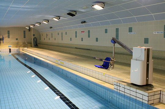 Accessible aux handicap s for Piscine jean taris