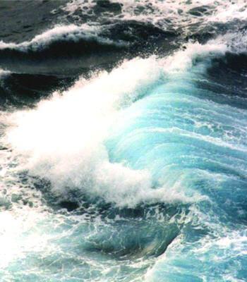sous l'effet des radiations du soleil, l'eau liquide va changer d'état et