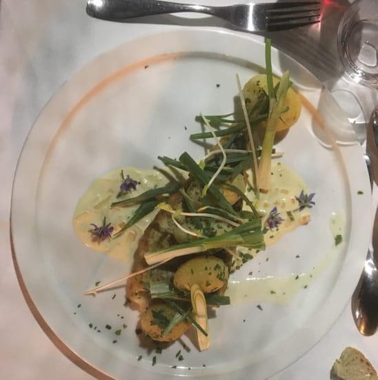 Plat : La Table de Salignac  - Filet de merlu sauvage sauce Pouilly fumé -