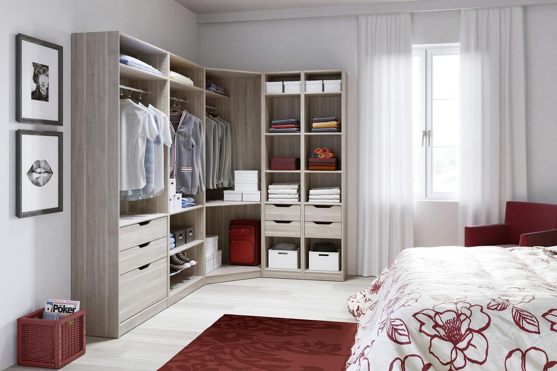 l 39 am nagement espace de lapeyre en ch ne stri. Black Bedroom Furniture Sets. Home Design Ideas