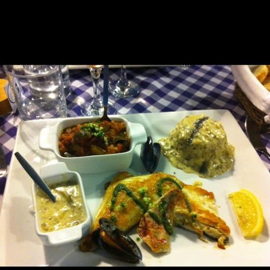 Plat : Le Poisson d'Avril  - Trio de poisson : loup rouget et dorade sce oseille avec riz et ratatouille fraîche maison! Un bonheur -