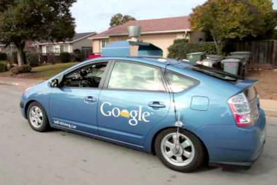 Google Car : plusieurs accidents, la sécurité remise en cause
