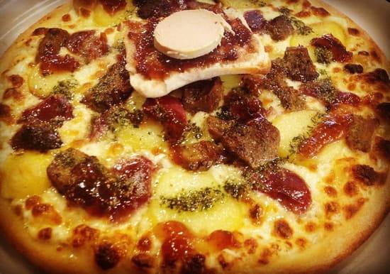 Pizzeria à la Française  - Pizza spécial canard -   © pizzeria à la française