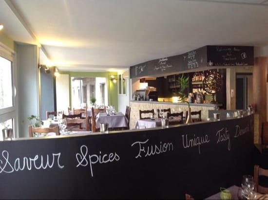 Restaurant : Postcards Restaurant  - Bar -