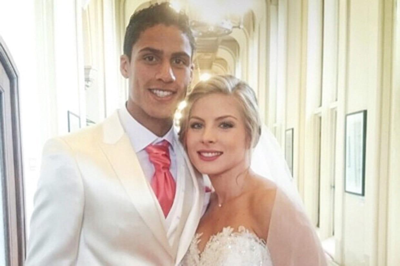 Mariage de rapha l varane qui est sa femme camille tytgat photos - Raphael de casabianca et sa femme ...