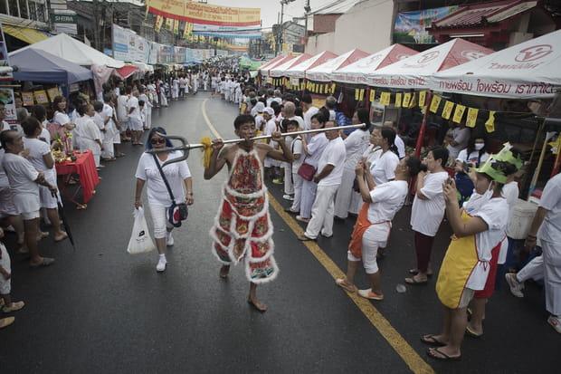 Des défilés dans toute la ville