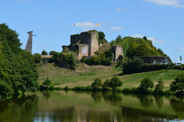 Tiffauges et son château de Barbe bleue